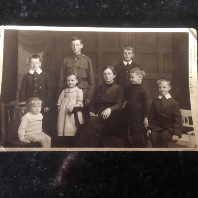 1914+- back - Alec, Ivor, Alan; front - Bryan, Gretta, Mary, Griff, Ted via Barbara