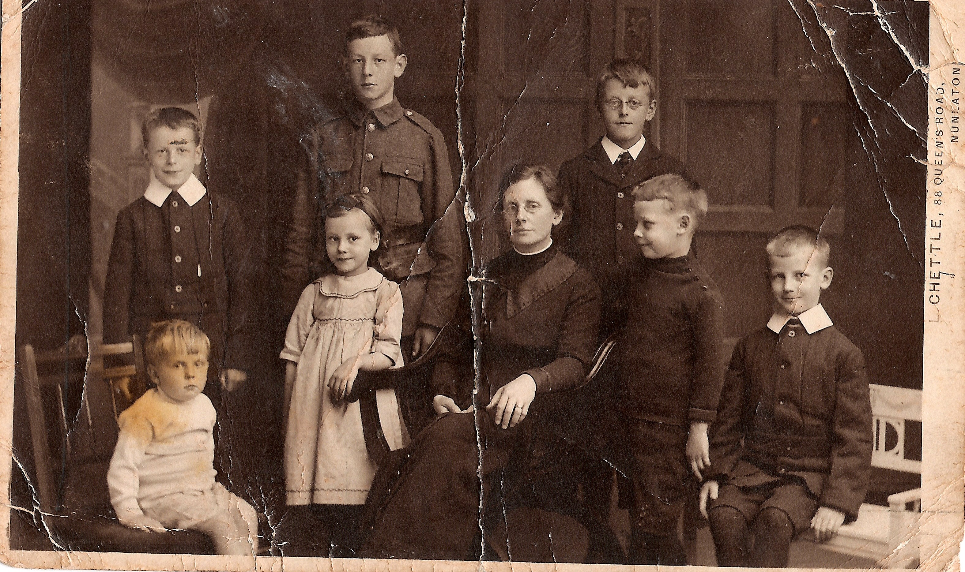 1914+- back - Alec, Ivor, Alan; front - Bryan, Gretta, Mary, Griff, Ted