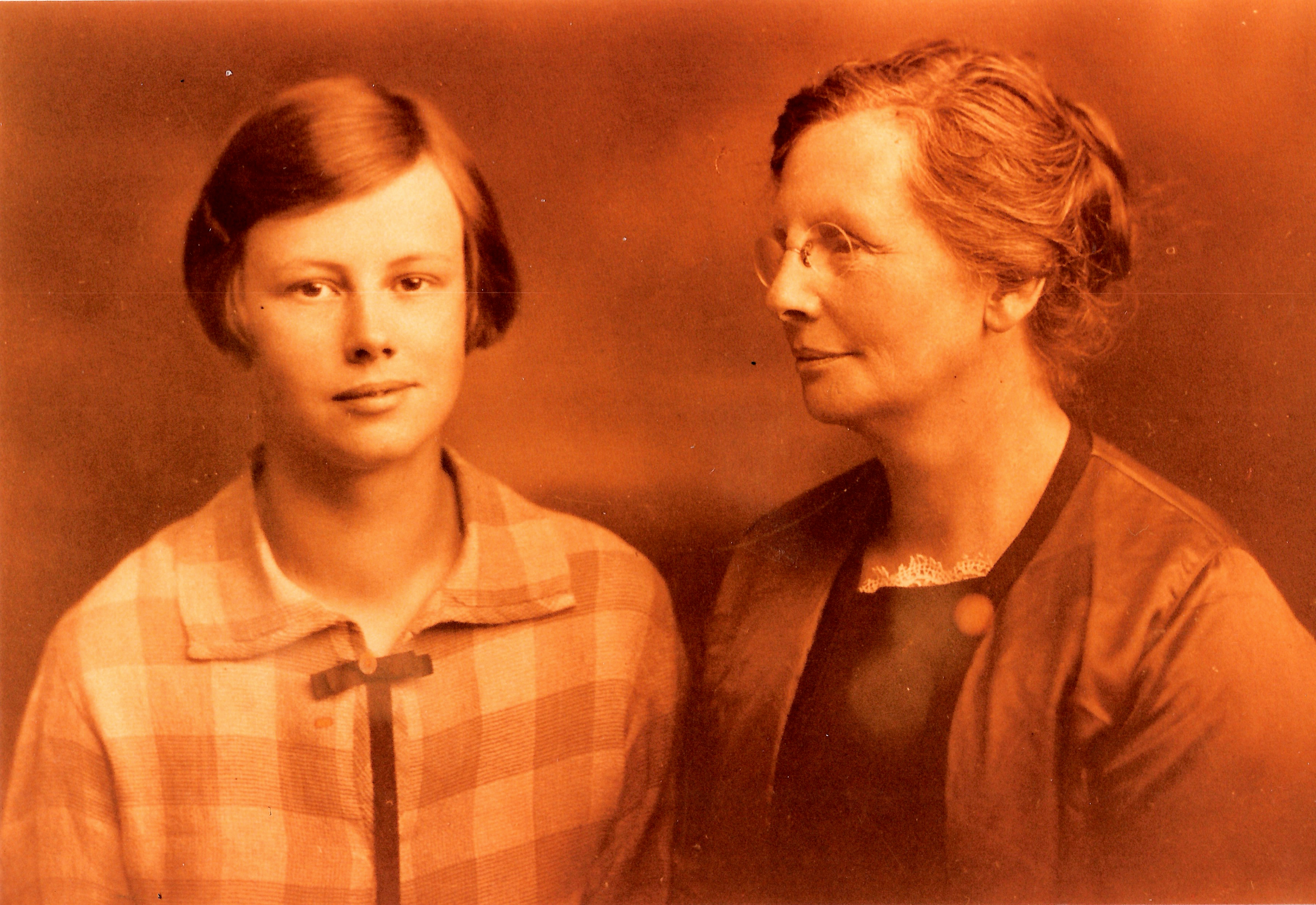 1923+- Gretta, Mary
