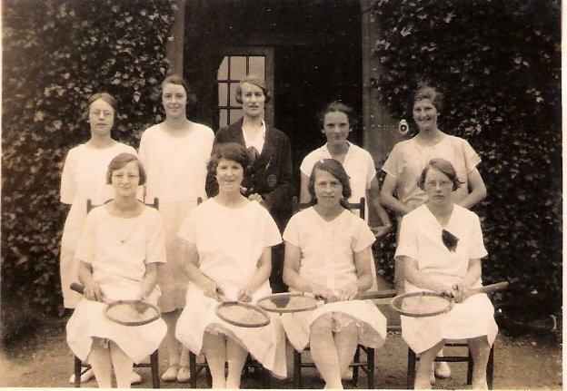 1931ish Gretta in MADC tennis team