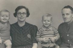 1941ish John, Gretta, Colin, Dick